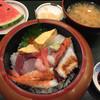 寿し処 高尾 - 料理写真:海鮮丼1100円(2016.08)
