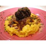 フレイムス - 牛ホホ肉の赤ワイン煮込みとフリッタータ