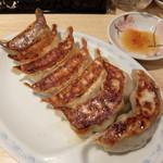 悟空 - 野菜餃子2個、肉餃子3個、ジャンボ餃子2個(トリプルセット)