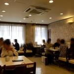 神戸元町別館牡丹園 - 2階の店内