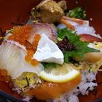よしうみいきいき館 - 海鮮丼にZoom♫