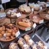 ボヌール - 料理写真:パンの種類はそこそこ豊富