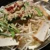 小力 - 料理写真:金のモツ鍋(塩スープ)1430円