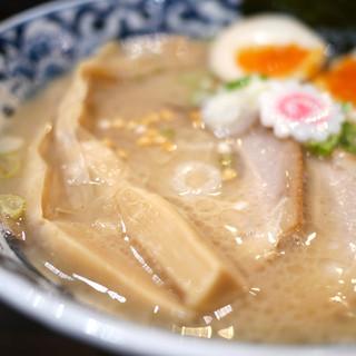 東京駅 斑鳩 - 料理写真:東京駅らー麺 太長い穂先メンマがインパクト大