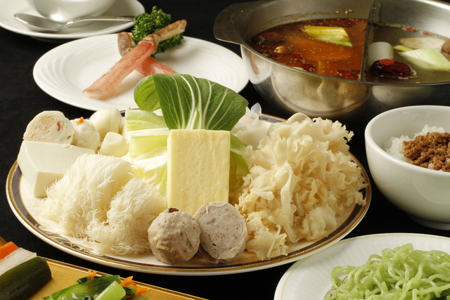 https://tabelog.ssl.k-img.com/restaurant/images/Rvw/54938/640x640_rect_54938731.jpg