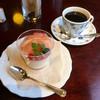 宮越屋珈琲 - 料理写真:白桃のブランマンジェとコーヒー