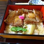 近江肉せんなり亭 伽羅 - 料理写真:ロースステーキ重3780円