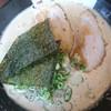 くわせ者 - 料理写真:ドとんこつラーメン。博多駅系統かと思ったらしっかりした醤油系統でした