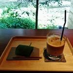 54989731 - 『上生菓子セット』(1200円)!!『糖蜜のくず焼き』と『アイスカフェオレ』のセット~♪(^o^)丿