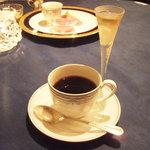 レストラン ストックホルム - スウェディッシュ コーヒー