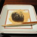 紫野和久傳 茶寮 - 一口わらび餅アップ