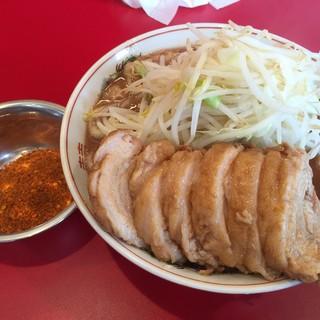 ラーメン英二 - 料理写真:【2016.8.18】ラーメン¥720+豚2枚追加¥180+旨辛味¥80