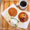 レトロワロトンド - 料理写真:ワンドリンクオーダーして ペーパー ウォール カフェさんで購入したパンをいただきました。