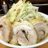 ラーメン ○菅 - 料理写真:ラーメン野菜増し+豚二枚追加800円