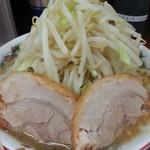 ラーメン 豚んち - 麺少なめラーメン(野菜)2016.8.20