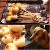ごへい茶屋 - 料理写真:ごへい茶屋オリジナル「やまぶし団子(甘味噌だれ)」と看板娘(ミニチュアダックス)