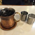 アロマ 珈琲 - ドリンク写真:2016年8月。アイスコーヒー450円。