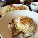白楽天 - 料理写真:焼豚玉子飯は、シングルなのだ~