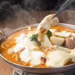 かまくら - 炙り大山鶏とトマトのとろぉ~りチーズ鍋
