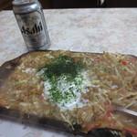 三島屋 - そばもんじゃ350円 ・缶ビール350円