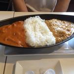 55147841 - ランチのカレーライスセット980円                       トマトチキンとオニオンキーマ