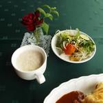 館ヶ森アーク牧場 レストランTill's - たまごスープ 野菜サラダ