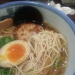 55184343 - 柚子塩らーめんの麺アップ