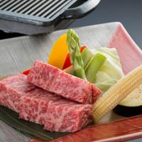 【食べログ限定】えらべる1ドリンク付!全8品!黒毛和牛厚切り肉ミニ鉄板焼きコース