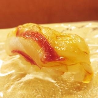 鮨 香坂 - 料理写真:特上にぎり3,240円を注文しました。 ちなみに、夜は10,800円のコースのみだそうです。 タイ。
