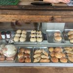 自家培養醗酵種パン 侭 - 手作り感満載のショーケース!