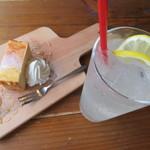 タナカクマキチ。 - 大豆チーズケーキ、大人のレモンスカッシュ