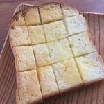 スペイン窯 パンのトラ - みりん食パン