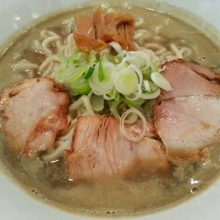 麺商人 - 料理写真:極濃煮干し中華そば(800円)