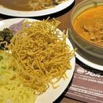 ソムオー - カオソーイ 1,000円=16年8月 つけ麺タイプ