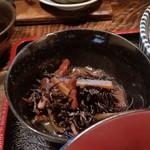 三亀勢 - ひじきもついて、ちょいちょいと色々食べれて美味しい。