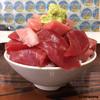 鶴亀屋食堂 - 料理写真:チョモランマなマグロ丼(小)