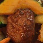 55364348 - 野菜の下からハンバーグがこんにちは♪( ´▽`)