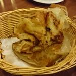 55368468 - 葱油餅。