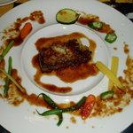 グラディナータ・ノルド - 牛ロース肉のステーキ