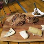 ビストロ ア ラ ドゥマンド - チーズ・セレクションは4種類
