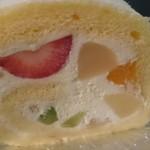 お菓子屋 ウルー - フルーツロール