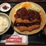 名古屋名物 名古屋丸八食堂 - 味噌とソースと、ハーフ&ハーフ