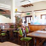 カフェレスト テンセブン - 広々とした昔ながらの喫茶店空間