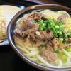 武蔵 - 料理写真:肉うどん中  タコちく天も丸ごとで美味しかったですよ
