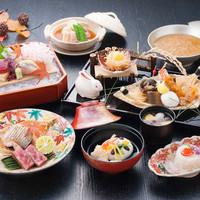 繊細で美しい芸術的な日本料理