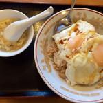 蓬莱閣 - 料理写真:焼き豚玉子飯