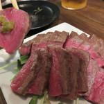 肉山 福岡 - ウチモモ。 ジューシーでしっかりとした食感。