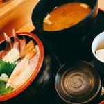 55438140 - 海鮮丼 800円