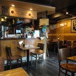びるまの竪琴 - エスニックな雰囲気溢れる、居心地のよい店内☆