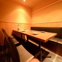 軽めの接待などに使いやすい小さな個室もございます。